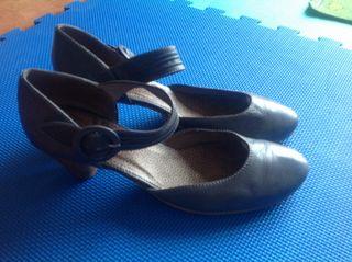 Zapatos de piel, talla 40