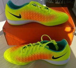 Botas de futbol sala Nike Magista