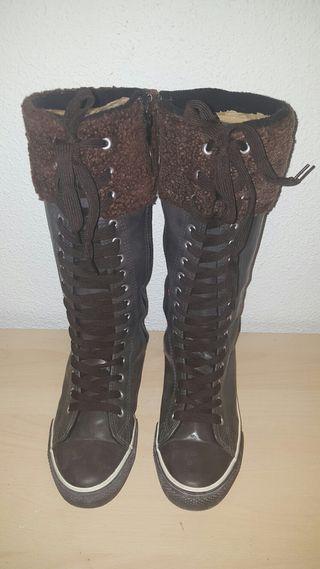 Botas marrones de chica N°39