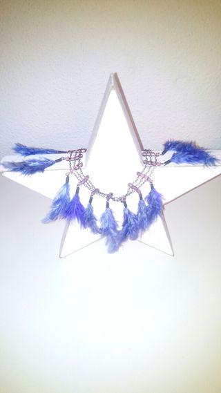 Gargantilla de plumas