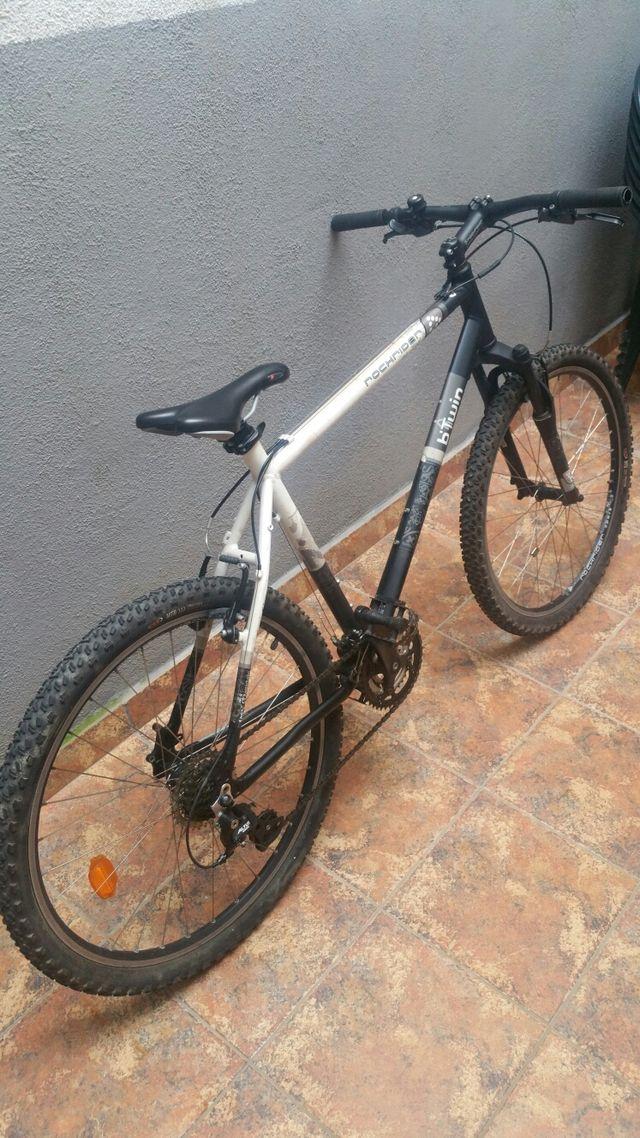 Bici bicicleta btwin rockrider en perfecto estado.