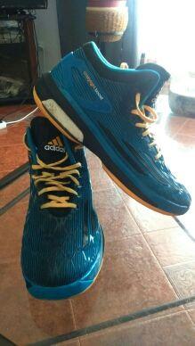 Zapatillas de basket ADIDAS.