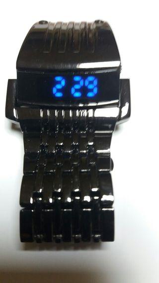 Reloj digital futurista
