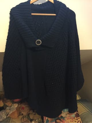 Capa de lana azul marino
