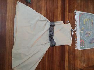 Vestido de minimil con su cinturón