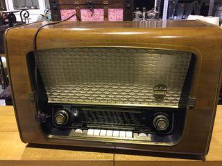 Radio antigua funciona perfectamente