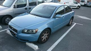 VOLVO S40 D4 MOMMENTUM