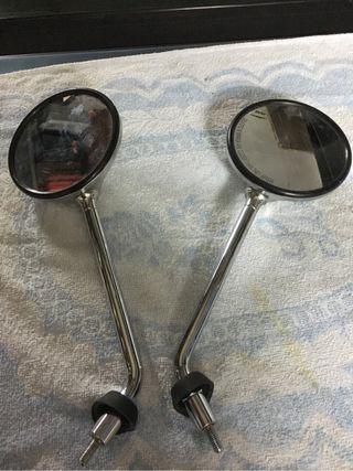 Vendo pareja de espejos para moto tipo choper