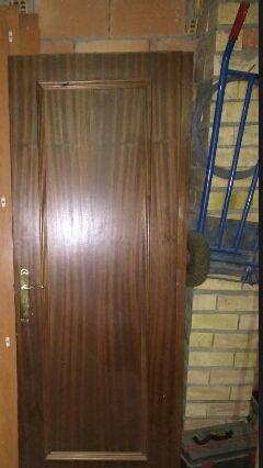 5 puertas con manivela