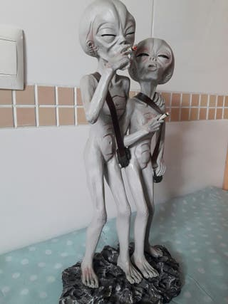 Figura resina aliens fumando