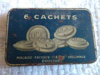 Cajita metálica antigua Kalmine