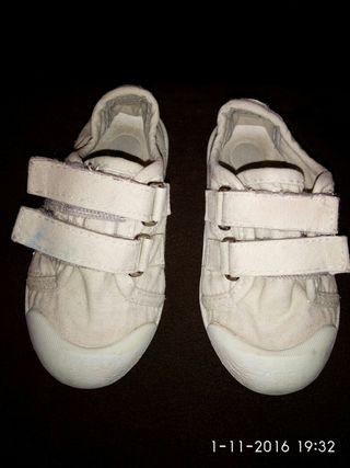 Zapatillas color beig, marca chicco, talla 23