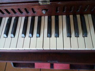 organo-armonio de pedal