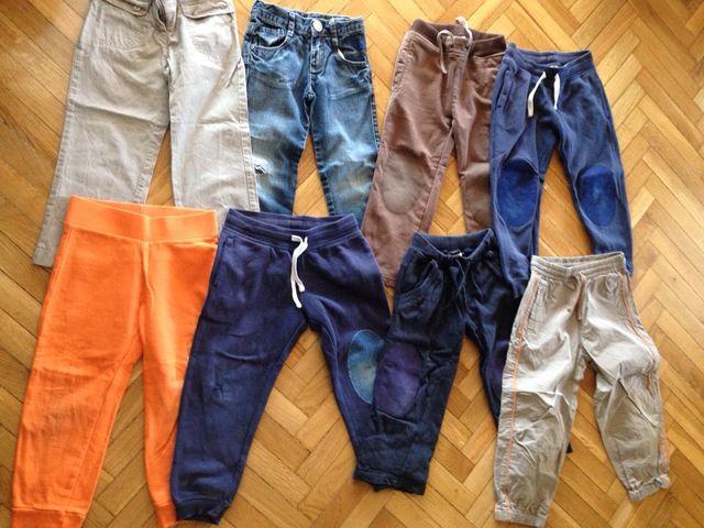 Pantalones y chandales talla 4-5 años.