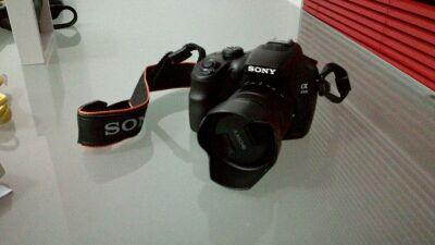 Cámara foto reflex Sony ILCE-3000KB