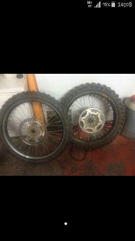 Se venden ruedas