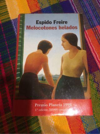 Melocotones helados de Espido Freire