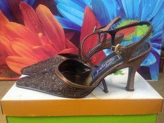 Zapatos de fiesta de señora