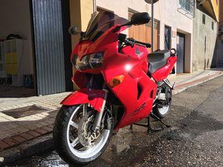 Honda VFR 800 01'