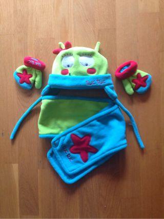 Conjunto de gorra, guantes y bufanda para niña
