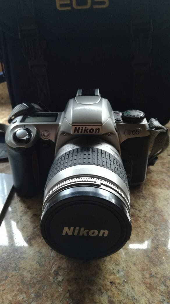 Cámara Nikon f65
