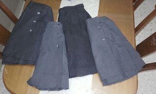 Faldas de uniforme en gris