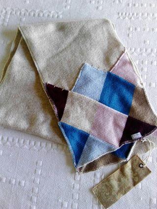 Bufanda de lana Lois Jeans. NUEVA. 150x24cm.
