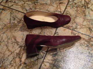 Zapato en color vino. N 38. Usado muy pocas veces