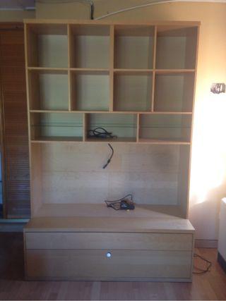 Librería Ikea para libros y TV