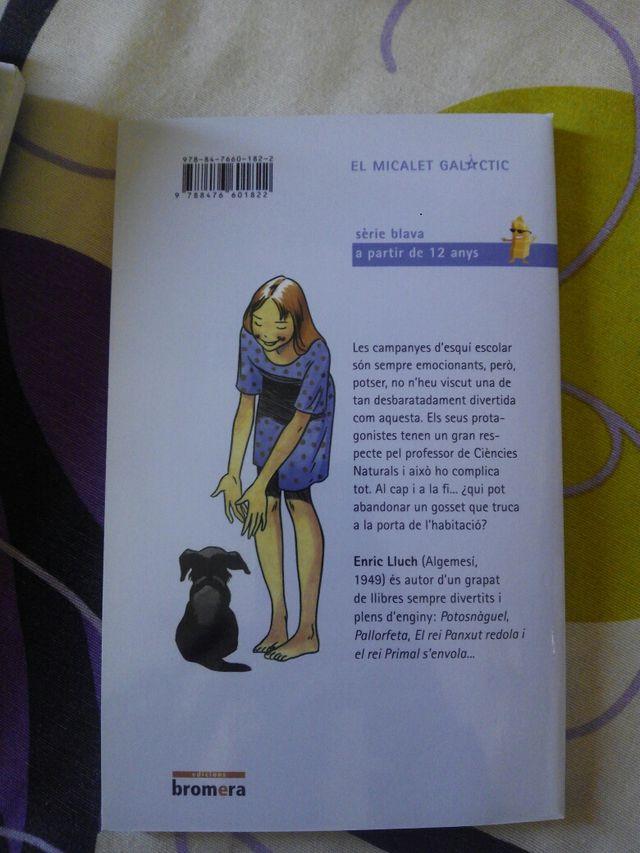 Libro: Neus i gossos... ¡Quin embolic!