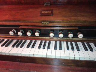 Piano antiguo de aire