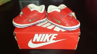 Zapatillas marca NIKE talla n°16.