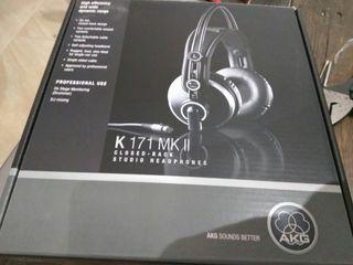 Auriculares AKG K171 MK II