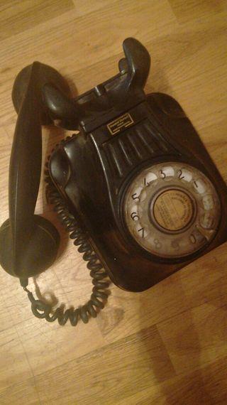 Teléfono antiguo de pared años 50