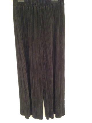 Pantalón canale tobillero negro de Zara
