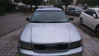 Audi A4. 672313125