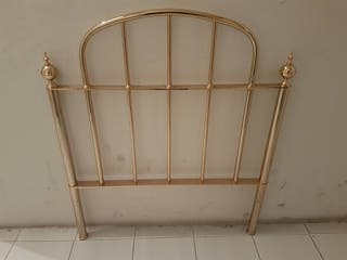 Cabecero dorado de hierro