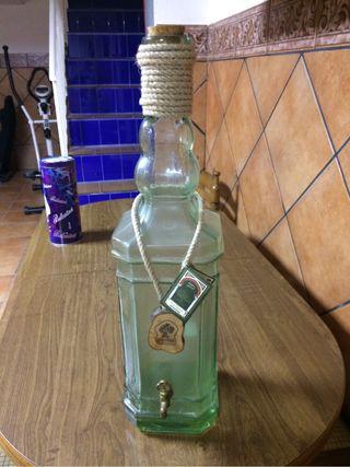 Botella con grifo