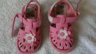 Zapatos chanclas para la playa 23