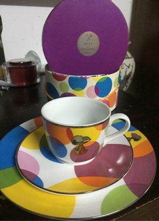Taza y platos Snoopy