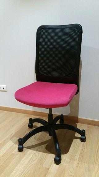 Silla KARSTEN IKEA con asento en fuxia