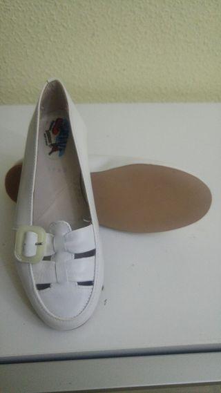Zapato niña blanco NUEVOS