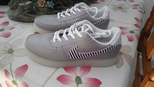 Últimas tendencias encanto de costo Códigos promocionales Zapatillas nike luces Led talla 39 de segunda mano por 60 ...