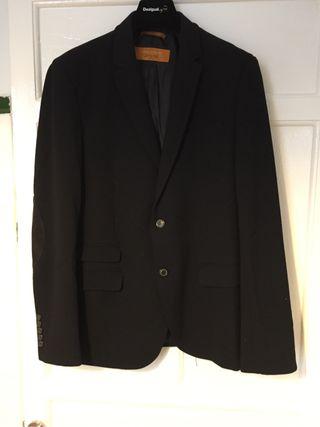 Americana Zara talla XL negra