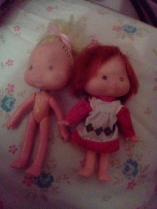 Tarta de fresa año 1989 de american greeting para customizar. Dos muñecas de la colección antiguas con la carita algo borrada una es tarta de fresa y la otra sorbete de limón