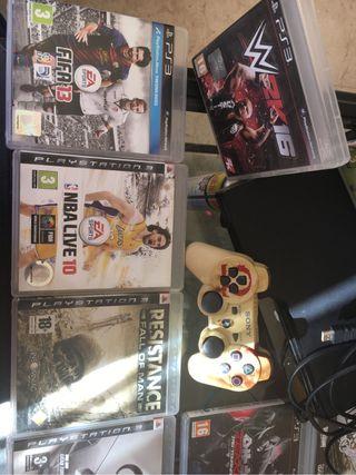 Playstation 3+2 mandos (1 tuneado)+17 juegos+micro de