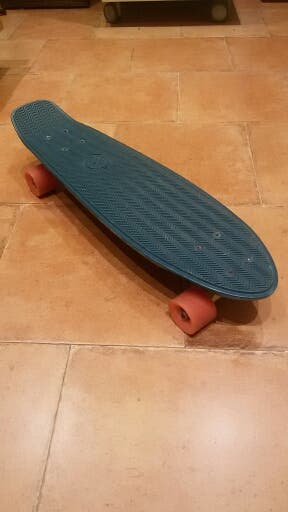 Skateboard POCO USO y en PERFECTO ESTADO