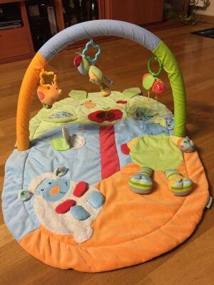 Parque manta de juegos infantil impecable y limpia
