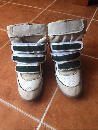 Zapatillas con cuña nuevas