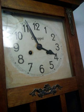 Reloj de pared antiguo
